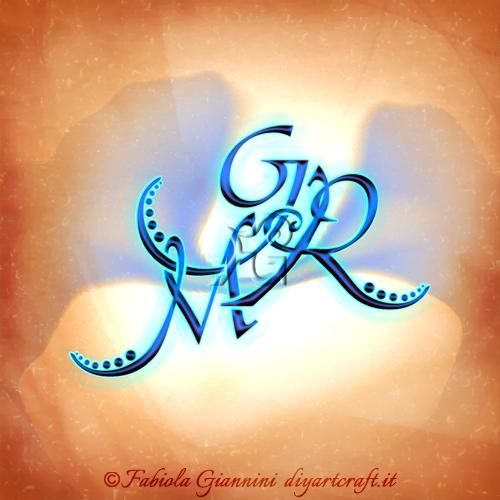 Stemma di famiglia: lettere maiuscole stilizzate: MRG