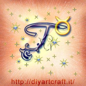 Simbolo astratto del segno zodiacale Toro intrecciato alla  maiuscola T idea tattoo