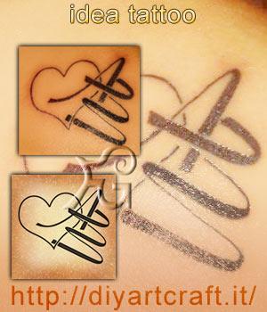 Collage idea: disegno del uore stilizzato con lettere intrecciate AM e foto del tatuaggio inciso sulla pelle.