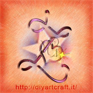 Maiuscola stilizzata Z Alfabeto Elettrizzante tattoo con stella, cuore e scintilla dorata.