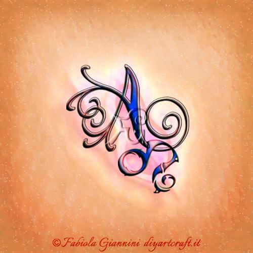Sulla maiuscola A stilizzata in corsivo con riccioli fantasiosi è agganciato il simbolo grafico del segno del leone in composizione stile unisex.